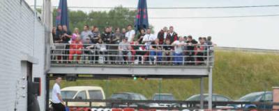foto terras van op het circuit